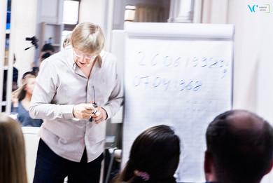 Юрий Владимирович рассказывает о магии чисел и их значении для человека.