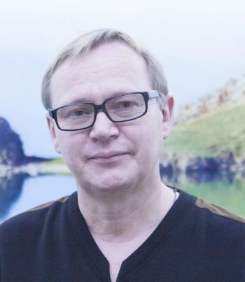 DR. ANDREJ AKINFEEV